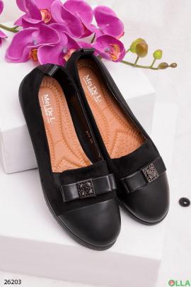 Черные туфли с бантиком
