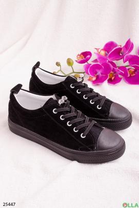 Кеды черного цвета, с резиновым носком