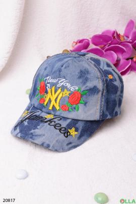 Джинсовая кепка с надписью
