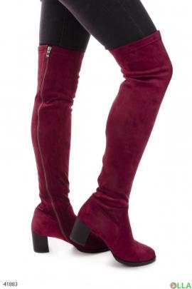 Бордовые ботфорты на каблуке