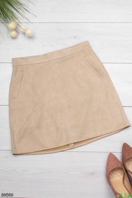 Женская бежевая юбка из экозамши
