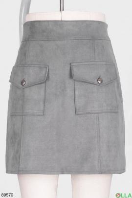 Женская серая юбка с карманами