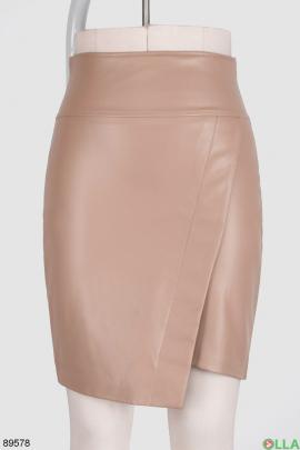 Женская бежевая юбка из экокожи