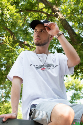Мужская белая футболка с надписью