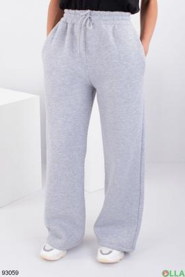 Женские серые спортивные брюки на флисе