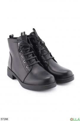 Женские ботинки на низком ходу