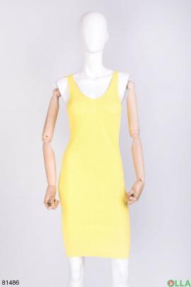 Женское желтое трикотажное платье