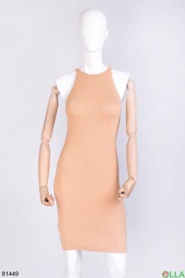 Женское бежевое трикотажное платье