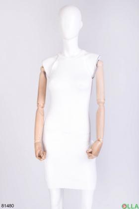 Женское белое трикотажное платье