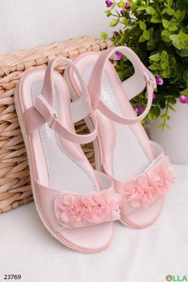 Розовые босоножки на липучке