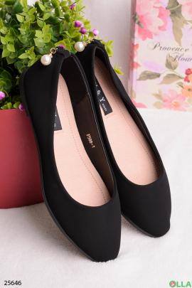 Черные балетки с бусиной