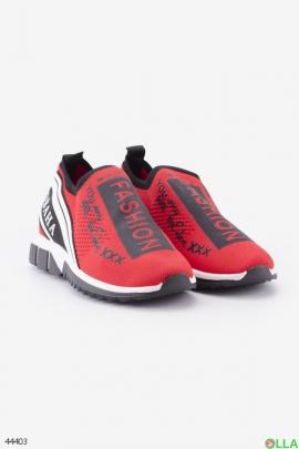 Женские красно-черные кроссовки