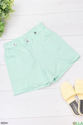 Женские зеленые шорты
