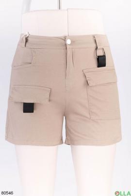 Женские бежевые шорты с поясом