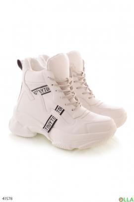 Женские ботинки в спортивном стиле