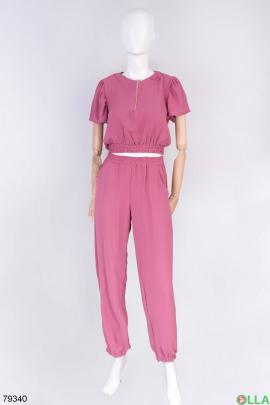 Женский фиолетовый костюм из топа и брюк