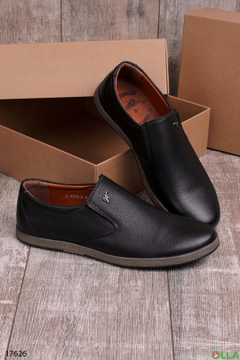 Мужские туфли без шнуровки в черном цвете