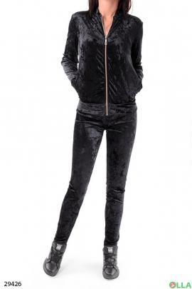 Женский костюм черного цвета