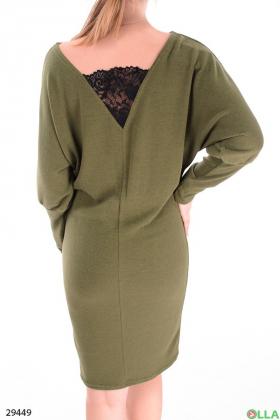 Ангоровое платье с кружевной вставкой
