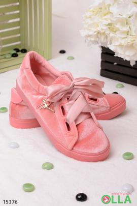 Розовые  кеды с атласными шнурками