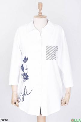 Женская белая рубашка с цветами