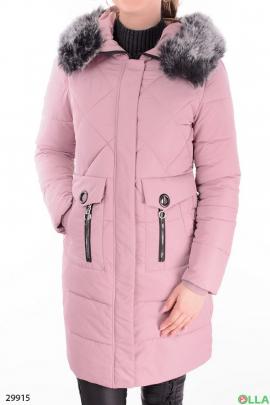 Женская куртка розового цвета.