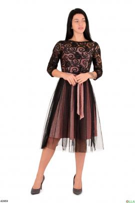 Пудровое платье с люрексом