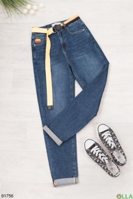 Женские синие джинсы-бананы с ремнем