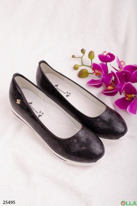 Туфли с цветочным тиснением