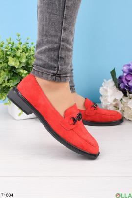 Женские красные туфли