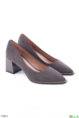 Женские серые туфли на каблуке