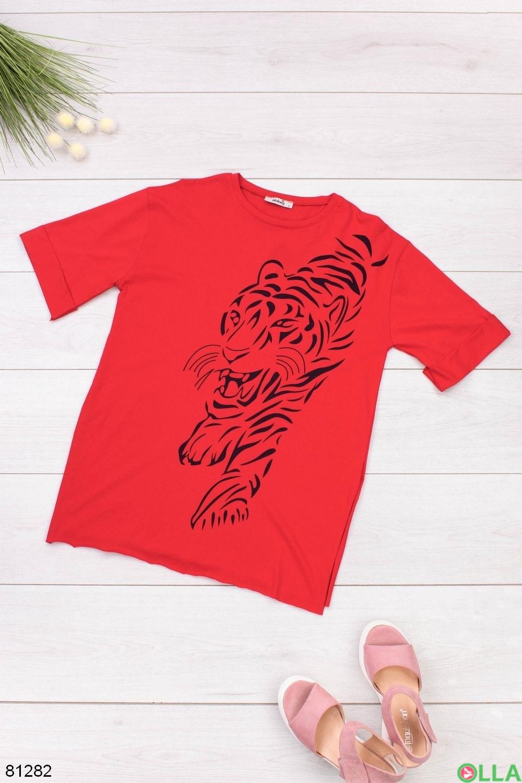 Женская красная футболка с рисунком