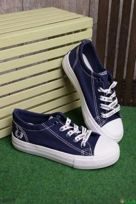 Синие кеды на шнуровке