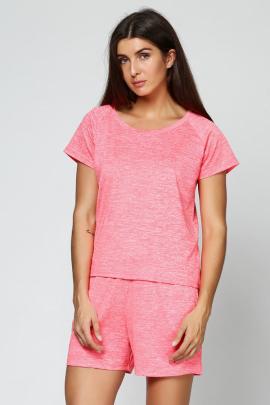 Женская футболка розового цвета