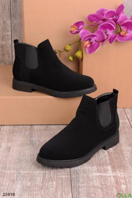 Черные ботинки в мужском стиле