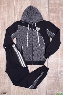 Спортивный костюм из кофты и штанов