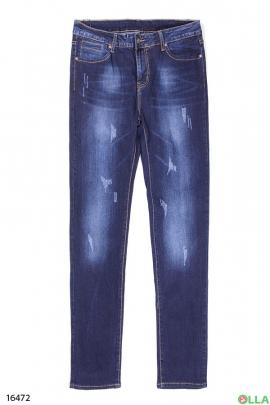 Женские джинсы классического кроя в повседневном стиле