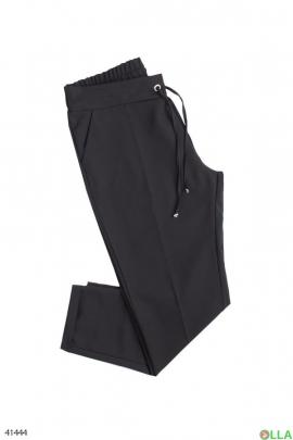 Женские брюки чёрного цвета