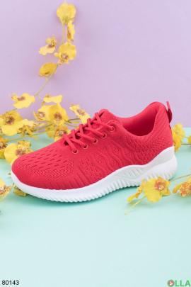 Женские красные кроссовки на шнуровке