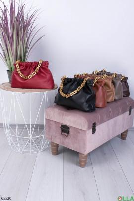 Женская красная сумка с ручкой-цепью