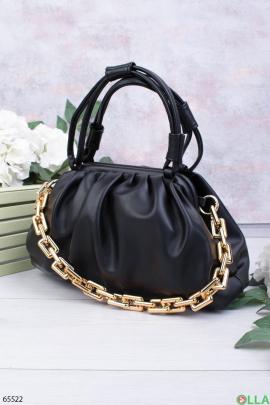 Женская черная сумка с цепью