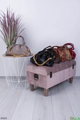 Женская серая сумка с цепью