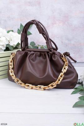 Женская темно-коричневая сумка с цепью