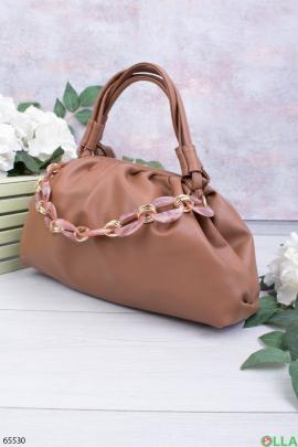 Женская коричневая сумка с цепью
