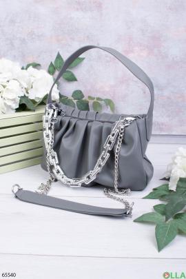 Женская серая сумка с цепями