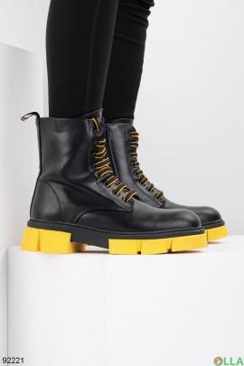 Женские зимние черно-желтые ботинки из эко-кожи
