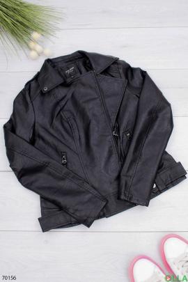 Женская черная куртка из экокожи