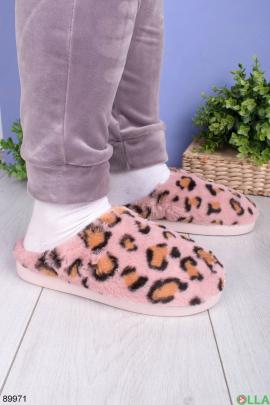 Женские розовые комнатные тапочки в леопардовый принт