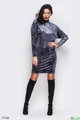 Женское велюровое платье с открытой спиной