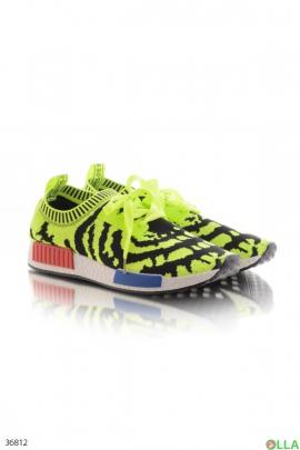 Стильные беговые кроссовки